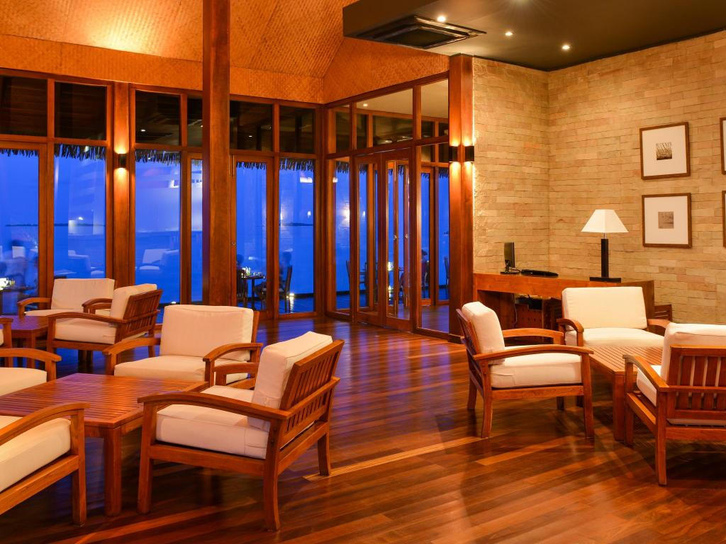 Lobby Adaaran Prestige Water Villas - Premium All Inclusive