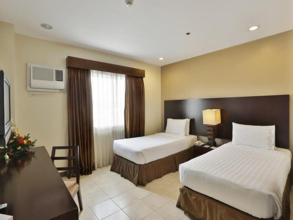Superior Suite Alpa City Suites Hotel