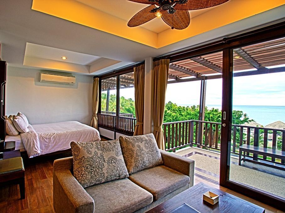 Tropical View Suite