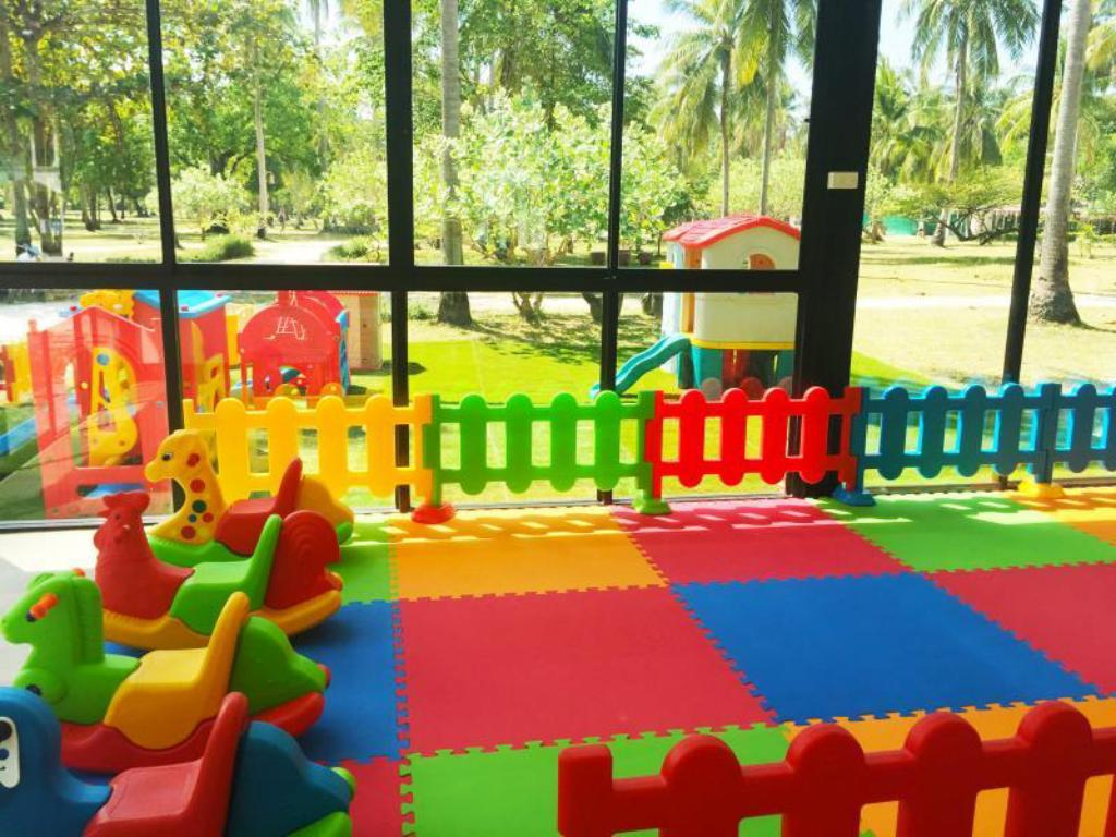 Kid's club Racha Island Resort