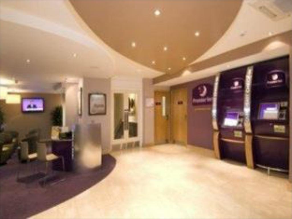 Interior view Premier Inn London Victoria