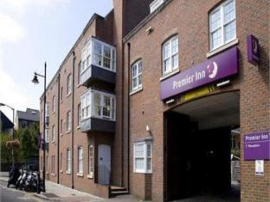 Exterior view Premier Inn London Southwark (Bankside)