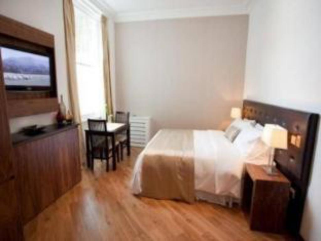 Standard Studio Presidential Apartments Kensington