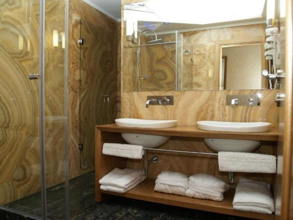 Bathroom Hotel Vardar