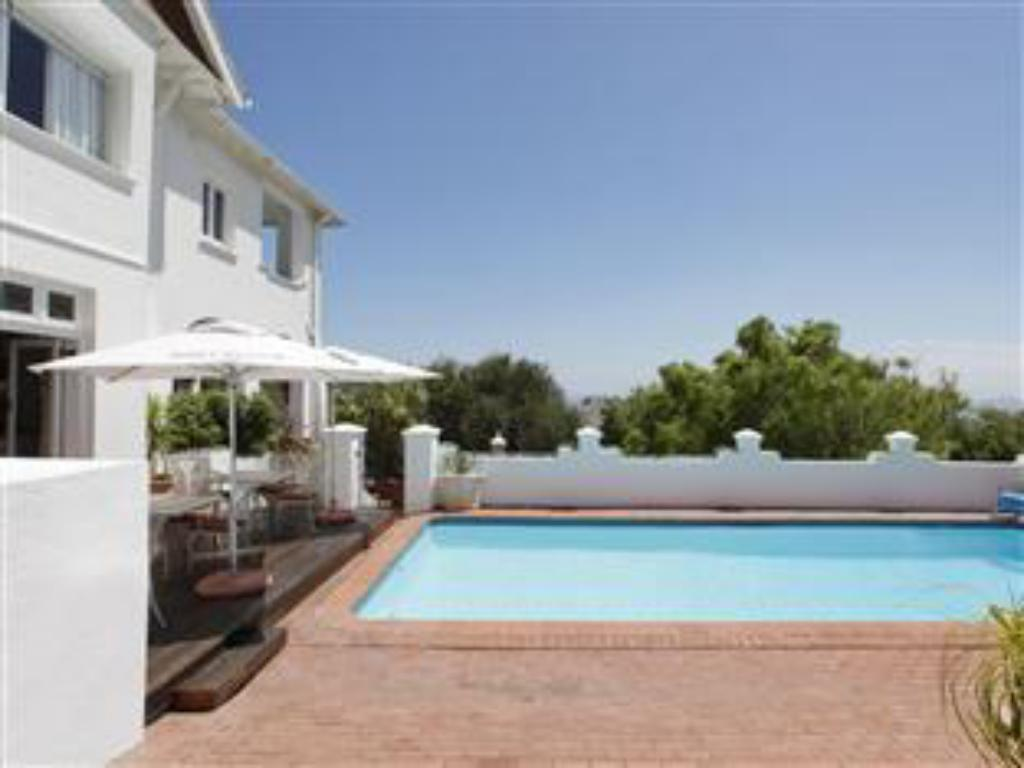 Πισίνα Abbey Manor Luxury Guesthouse