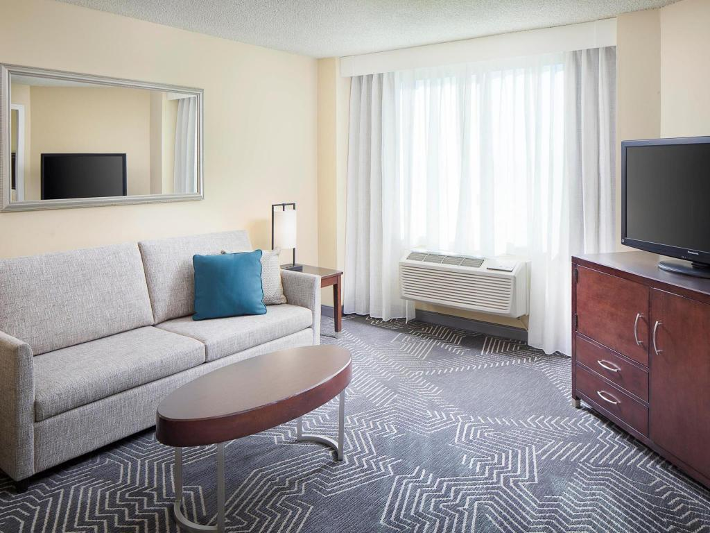 Best Price on Doubletree Hotel Los Angeles/Commerce in Los Angeles ...