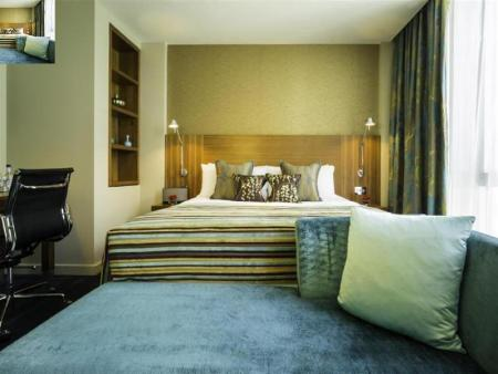 City Double or Twin Room Apex London Wall Hotel