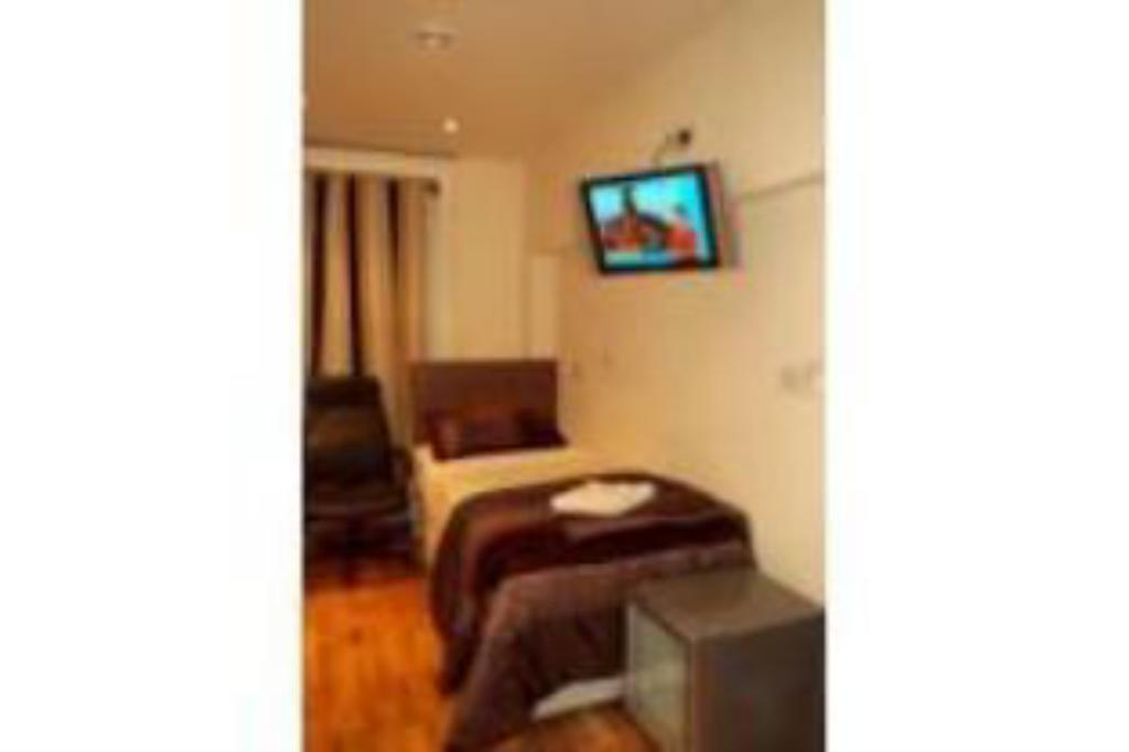 Double Room - Guestroom Linden House Hotel