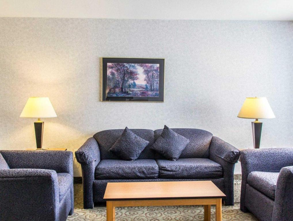 Interior view Comfort Suites Linn County Fairground and Expo