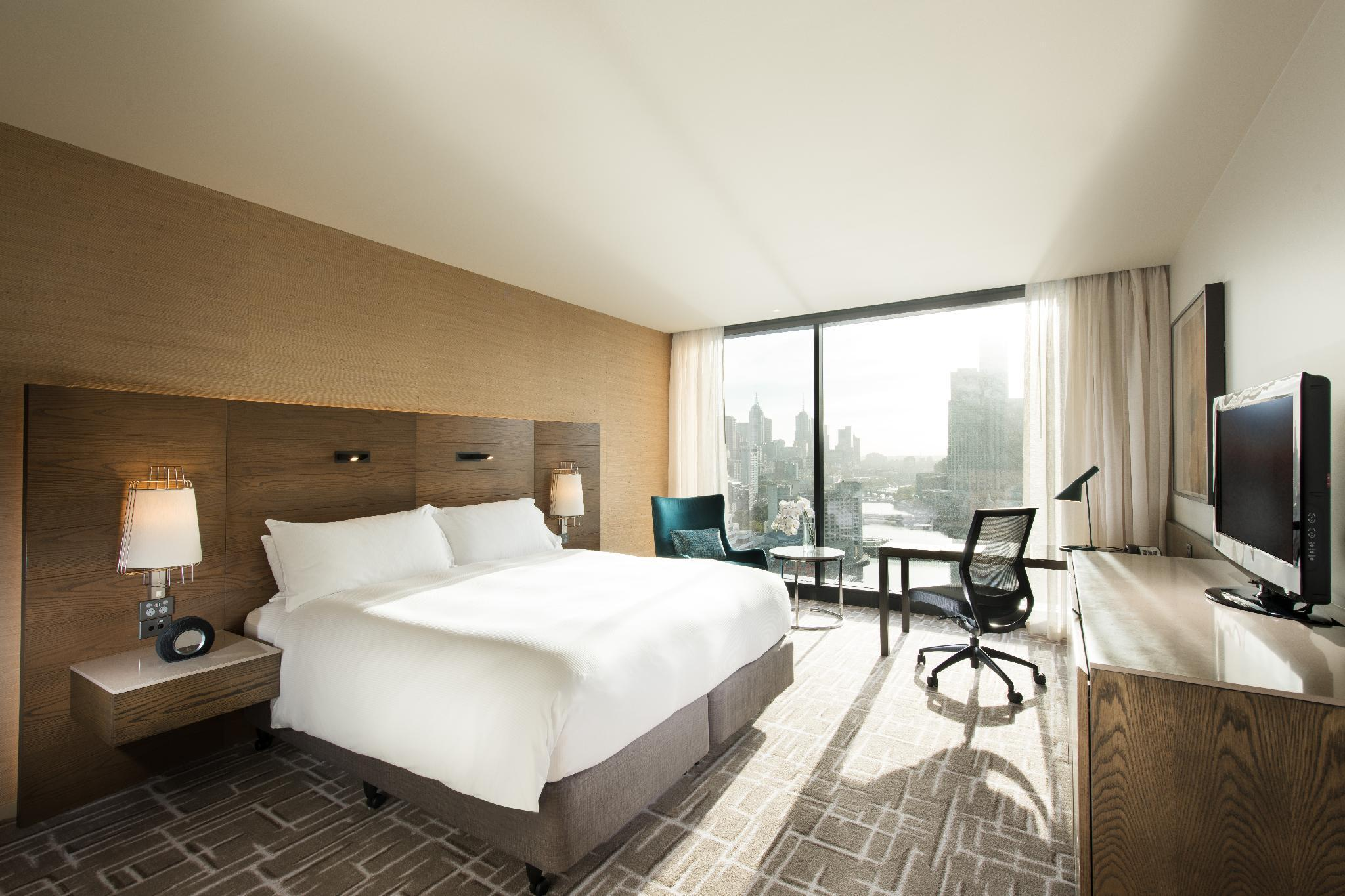 Premier King City Skyline View Room