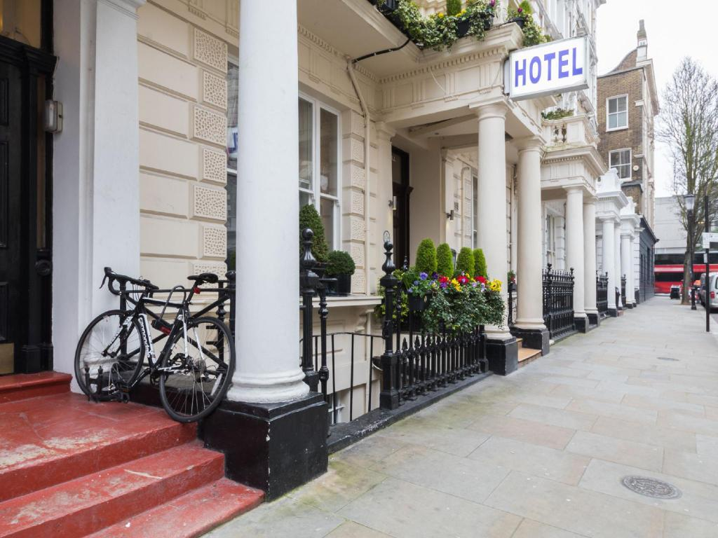 Exterior view Notting Hill Gate Hotel