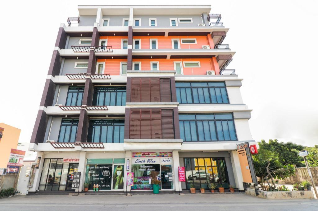 OYO 117 King One Suvarnabhumi Hotel in Bangkok - Room Deals ...