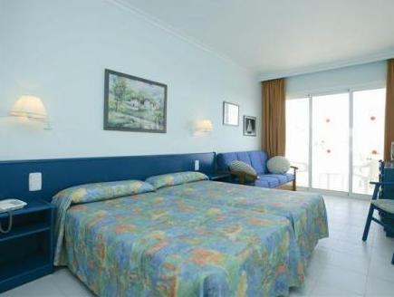 Double Room (3 Adults) - Free entrance to the Water Park