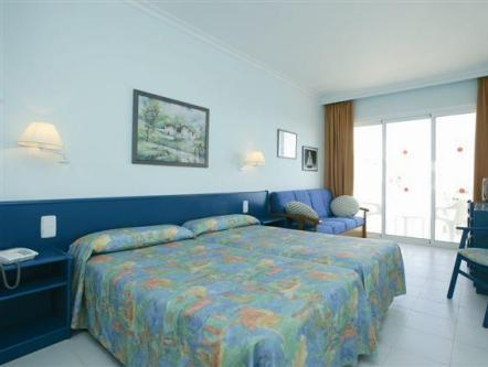 Double room (2 Adults + 1 Child) - Free entrance to the Water Park