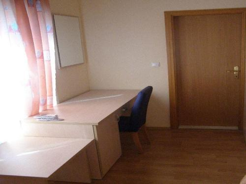 Cameră dublă - etajul 2 (Double Room Second Floor)