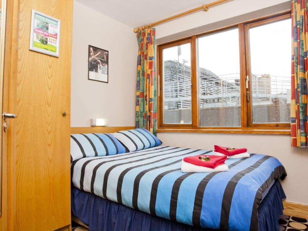 Double Room with Private Bathroom - Bed Barnacles Temple Bar