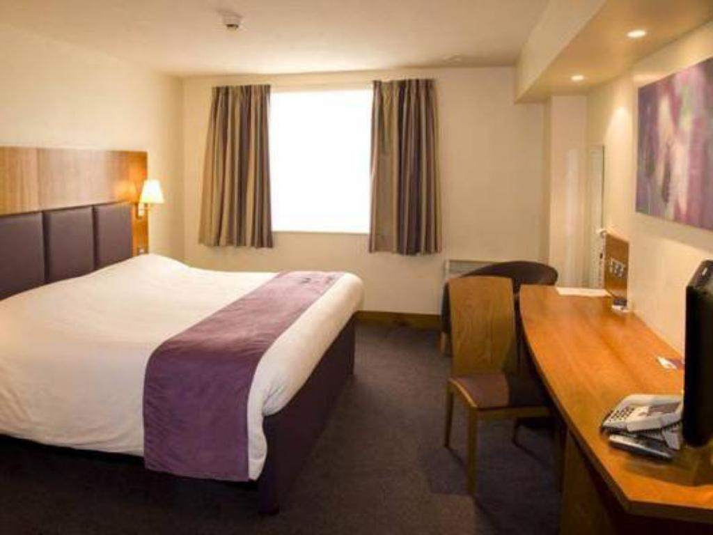 Double Room - Disability Access - Guestroom Premier Inn Stockton-On-Tees/Middlesbrough