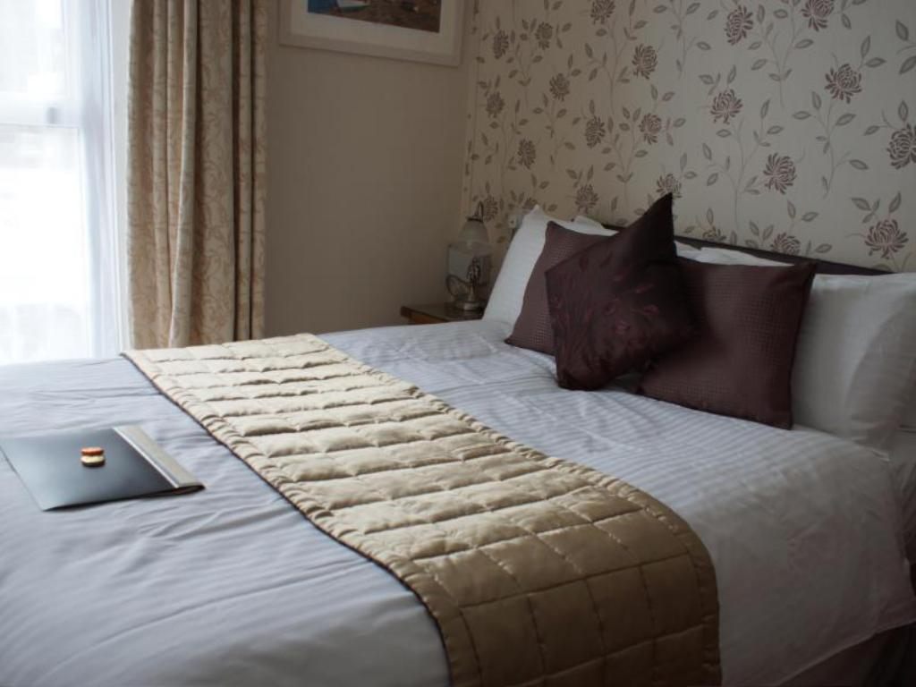 Comfort Double - Bed Abingdon House
