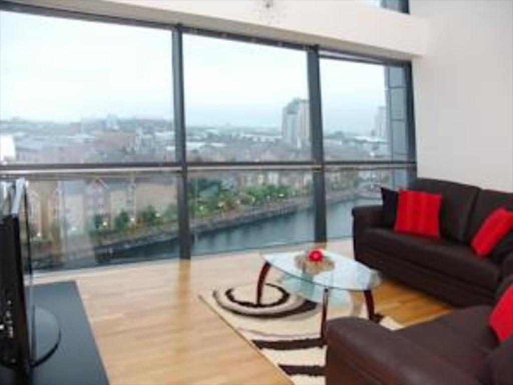 Executive Lounge Quay Apartments