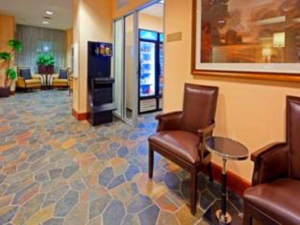 Лоби Candlewood Suites NYC -Times Square