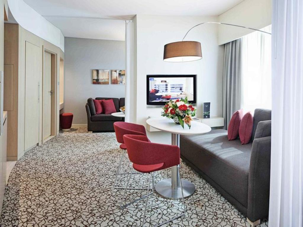 Executive Suite Novotel Suites Dubai Mall of the Emirates
