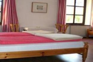 Trippelrom med privat bad (Triple Room with Private Bathroom)