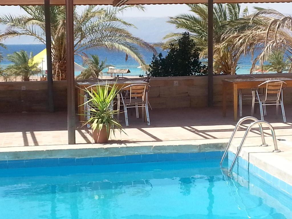darna village beach hotel in aqaba room deals photos. Black Bedroom Furniture Sets. Home Design Ideas