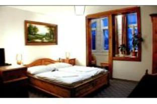 Dobbeltrom med ekstraseng (Double Room with Extra Bed)