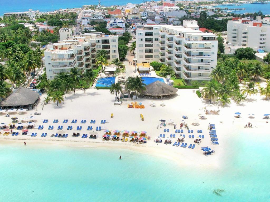 Ixchel Beach Hotel in Cancun - Room Deals, Photos & Reviews on
