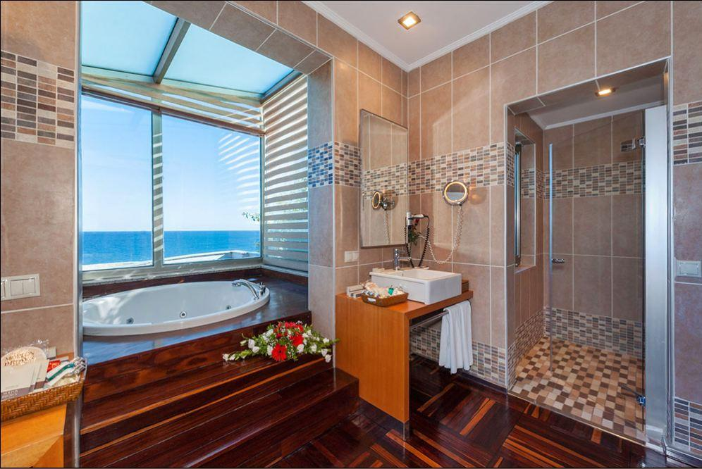Apartament typu King z jacuzzi (King Suite with Jacuzzi)