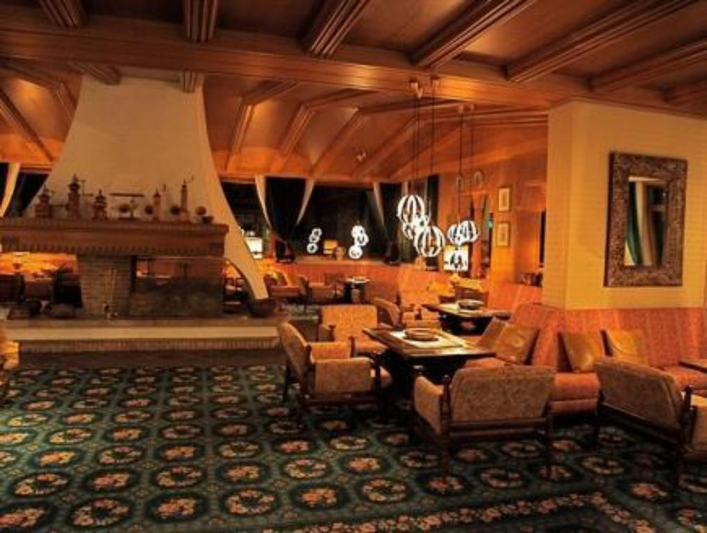 Lobby Hotel Sochers Club