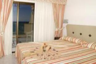 Double numurs ar jūras skatu (Double Room with Sea View)