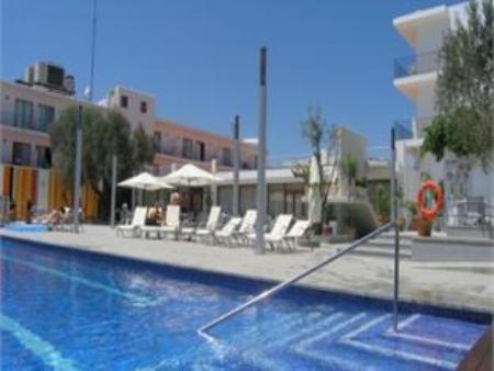 Swimming pool Hotel Puchet