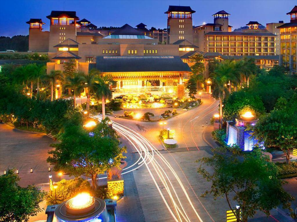 More about Chimelong Hotel