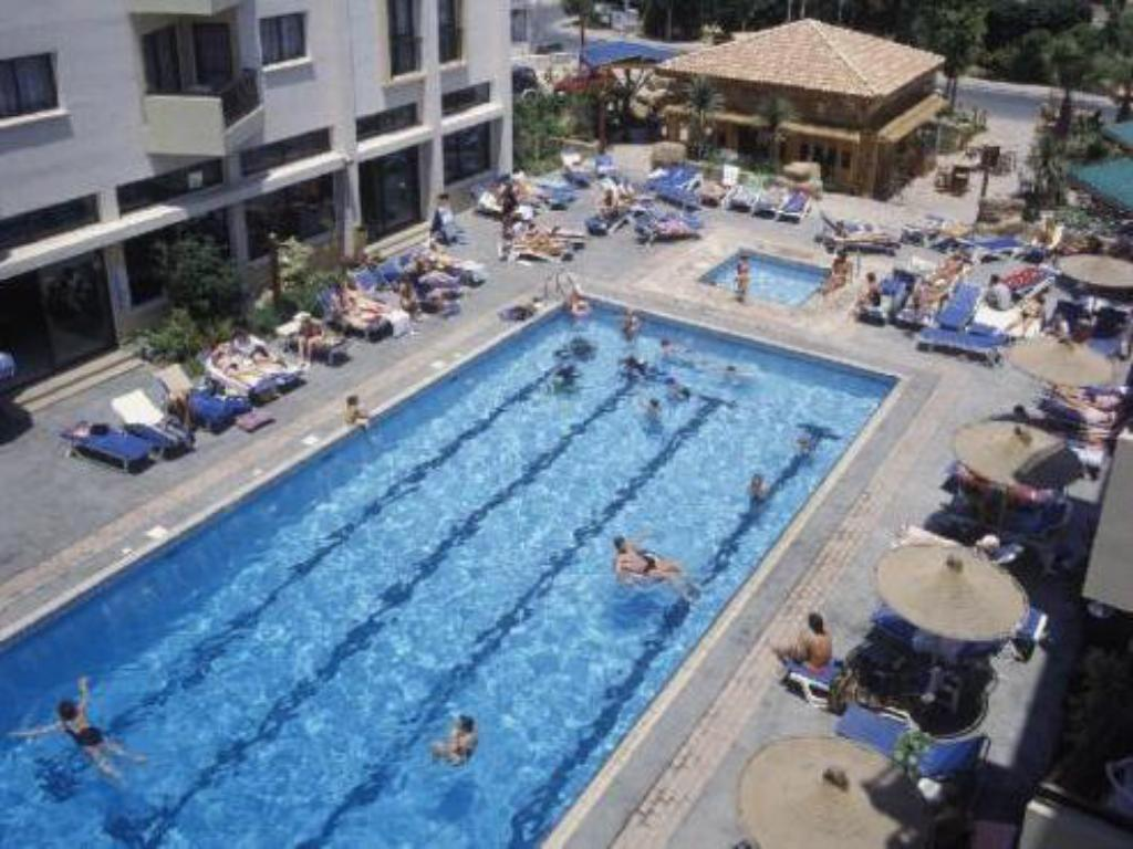 Swimming pool Alva Hotel Apartments