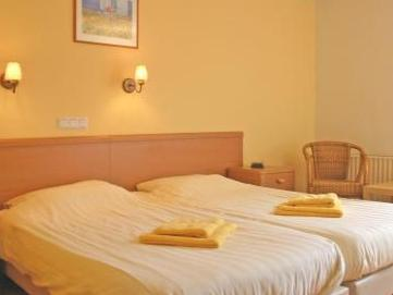 Deluxe Double Room with Shower and Toilet
