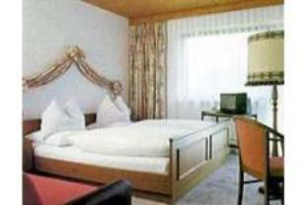 Bilik Double Hotel Pension Central