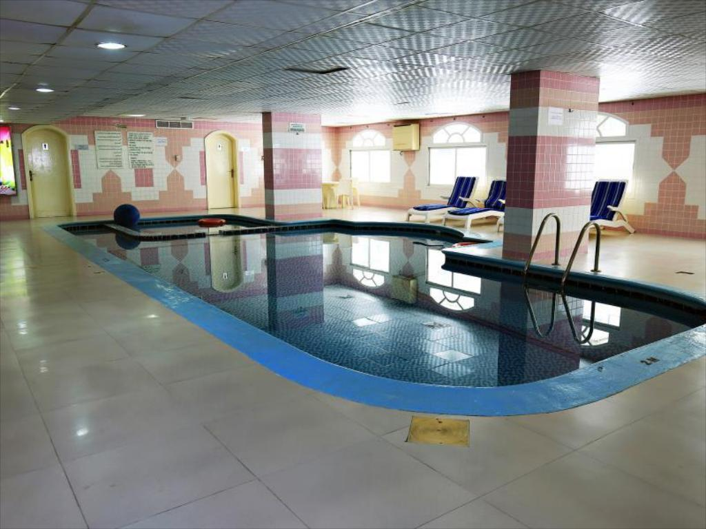 Swimming pool Imperial Hotel Apartments