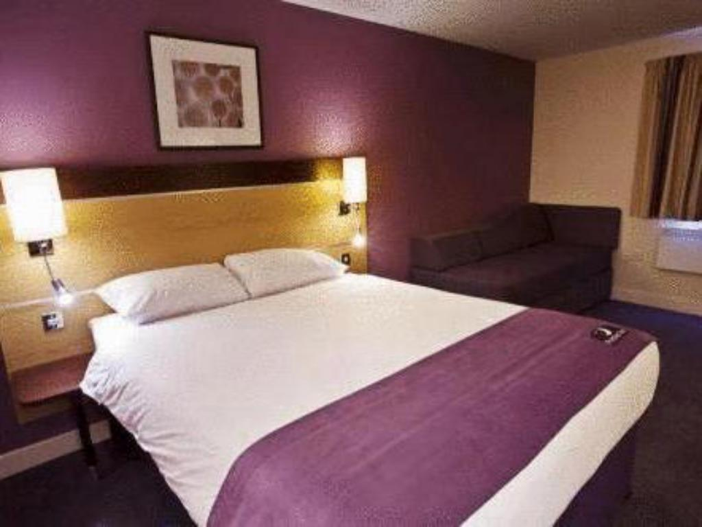 Double Disabled Room Premier Inn London Twickenham Stadium