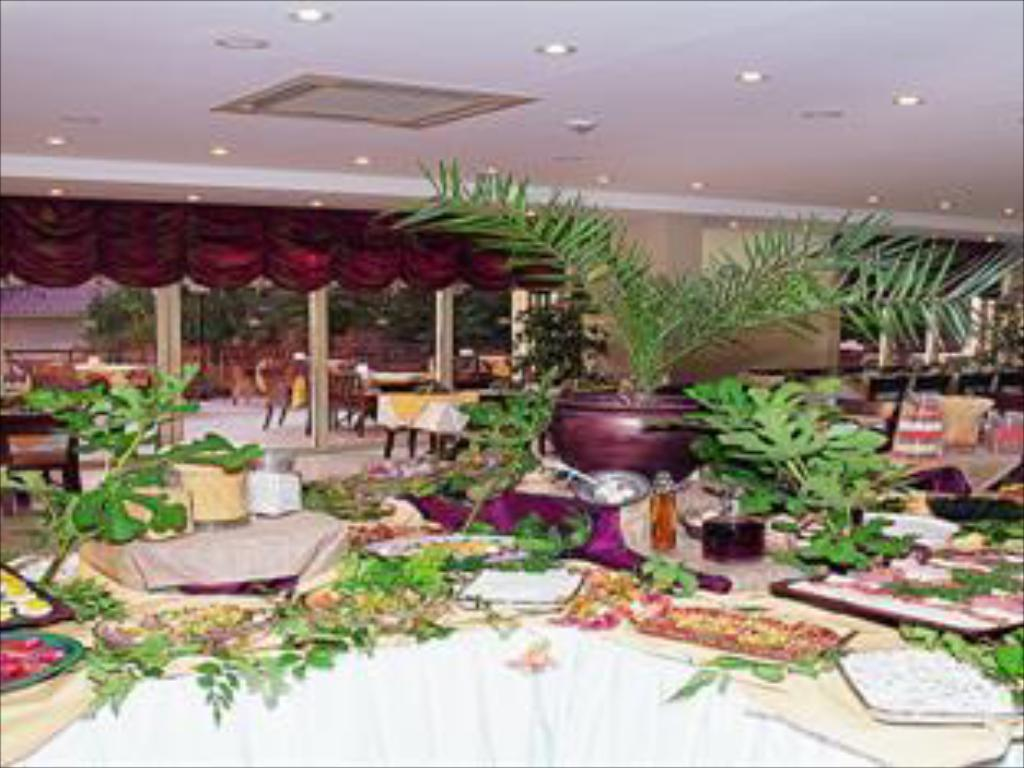Buffet Coastlight Hotel