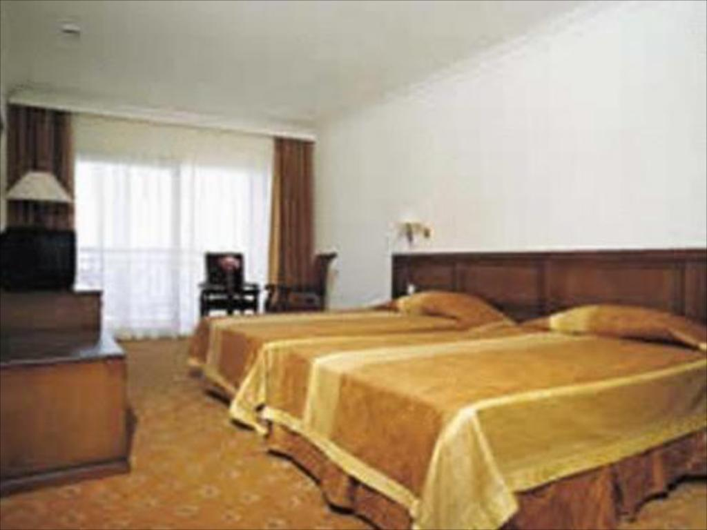 Standard Room - Guestroom Coastlight Hotel