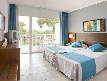 Double Room ( 2 Adults + 2 Children)