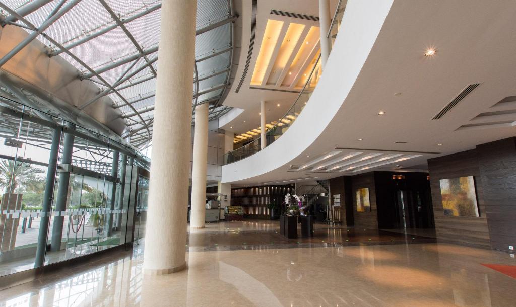 Holiday Inn Abu Dhabi From $58 - Room Deals, Photos & Reviews