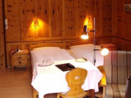 Double Room Hotel Post Pontresina