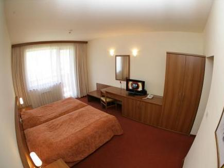 Camera Doppia con Letti Singoli (2 Adulti + 1 Bambino) - Mezza Pensione (Twin Room (2 Adults + 1 Child) - Half Board)