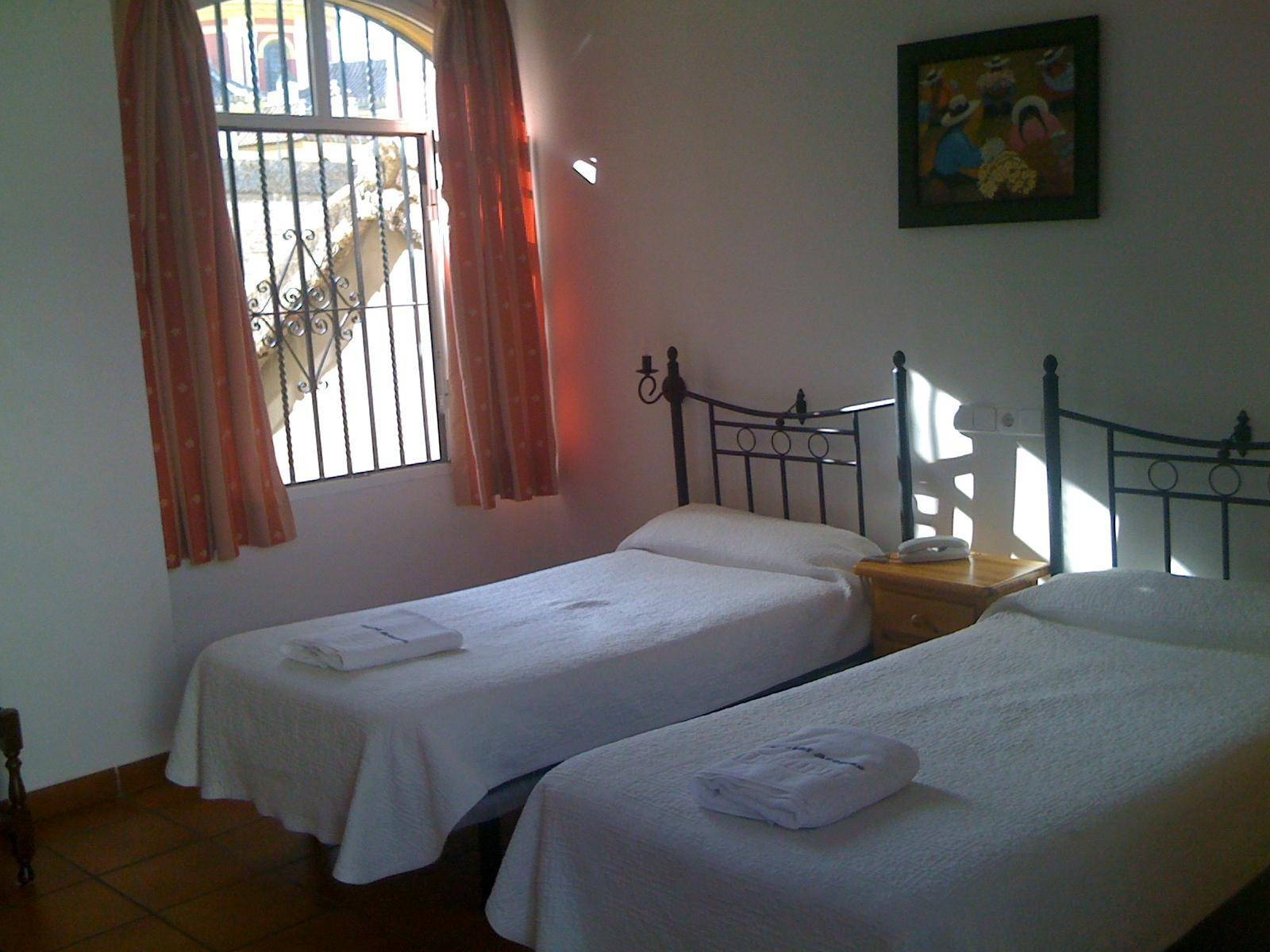 Quarto Triplo - 3 Camas Individuais (Triple Room - 3 Single Beds)