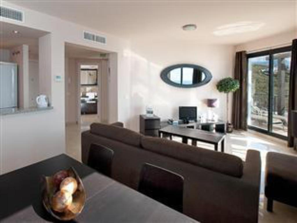 One-Bedroom Apartment - Guestroom Olée Nerja Holiday Rentals