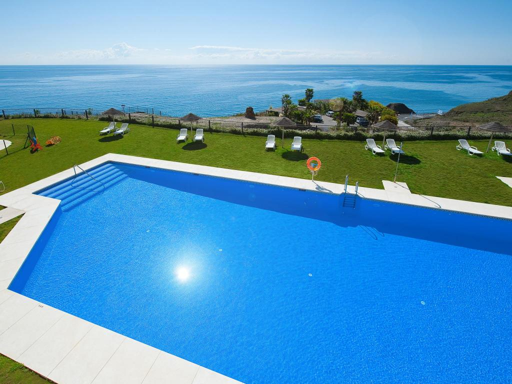 Swimming pool Olée Nerja Holiday Rentals