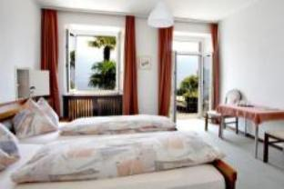 Quarto Duplo com Varanda e Vista Lago (Double Room with Balcony and Lake View)