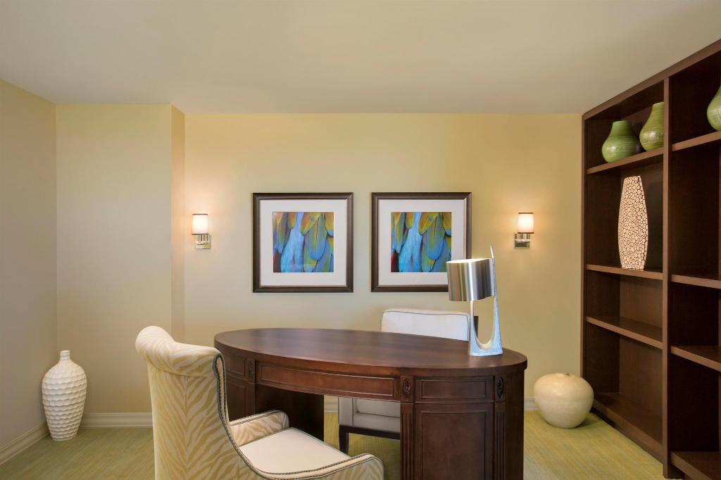Executive Suite with Theme Park View